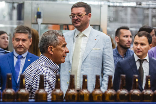 Минниханов на заводе. Фото: Бизнес-онлайн