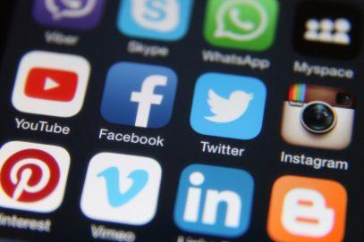 Facebook и Twitter массово удалили страницы, связанные с Россией и Ираном