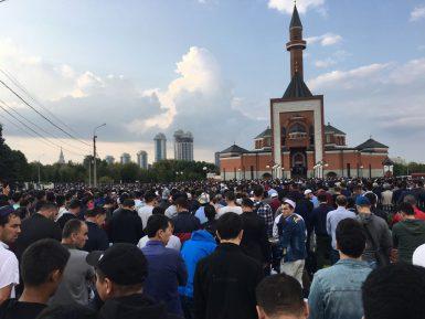 Путин поздравил мусульман