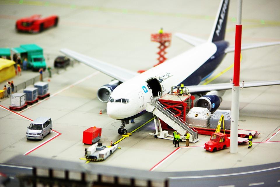 Какой компании доверить вопросы по авиаперевозке грузов?