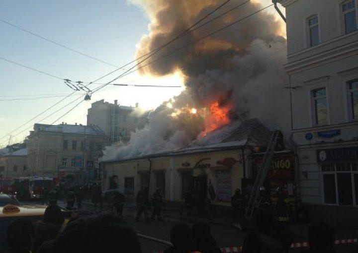 """В Махачкале сгорел ресторан """"Маидат"""", в котором потчевали гостей муфтията Дагестана"""