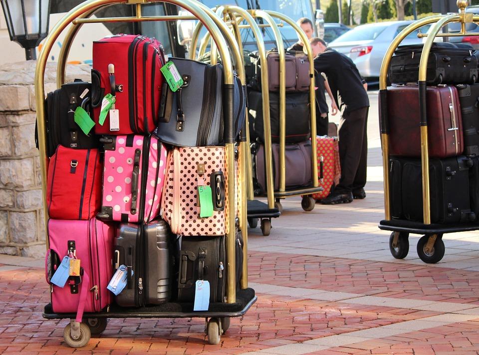 Что лучше для долгих путешествий – чемодан или же дорожная сумка?