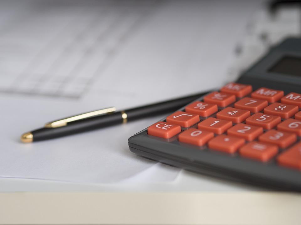 Плюсы передачи вопросов бухгалтерского учета специалистам