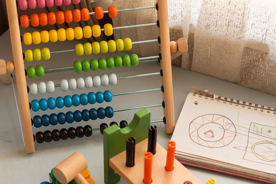 Особенности выбора развивающих игрушек для детей