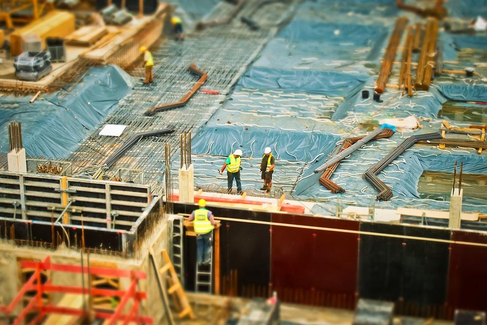 Как строительные конструкции и материалы проверяются на прочность и надежность?