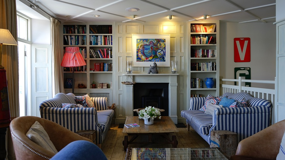 Как выбирать чехол для дивана и зачем он нужен?
