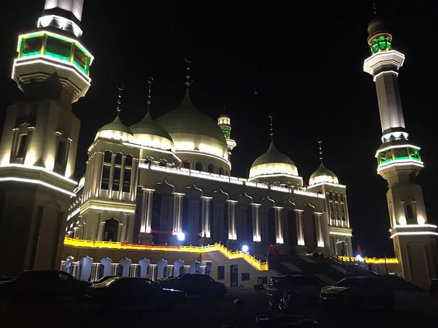 Власти Китая сделали загадочное заявление о судьбе мусульман, протестовавших против сноса мечети