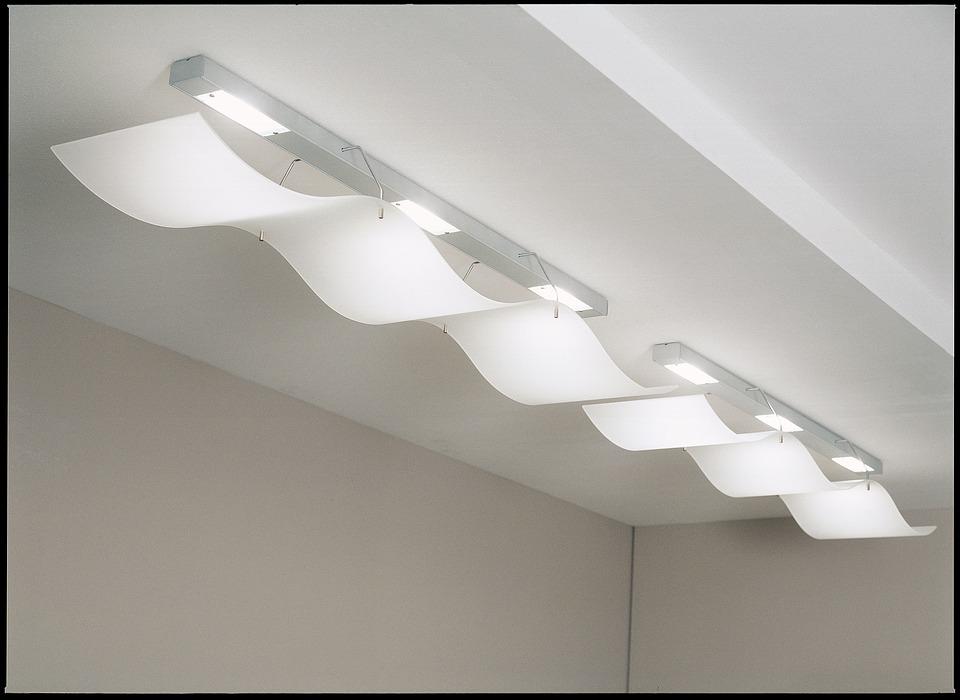 Кому доверить установку светодиодных светильников?
