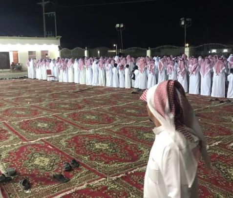 Саудовский жених произвел фурор своей реакцией на лунное затмение (ВИДЕО)