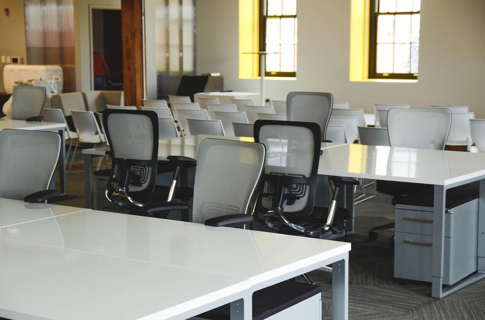 Почему важно правильно и ответственно выбирать мебель для офиса?