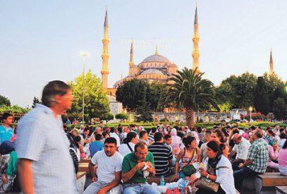 Российские туристы установили рекорд в Турции