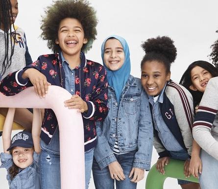 Девочка в хиджабе стала лицом модного бренда