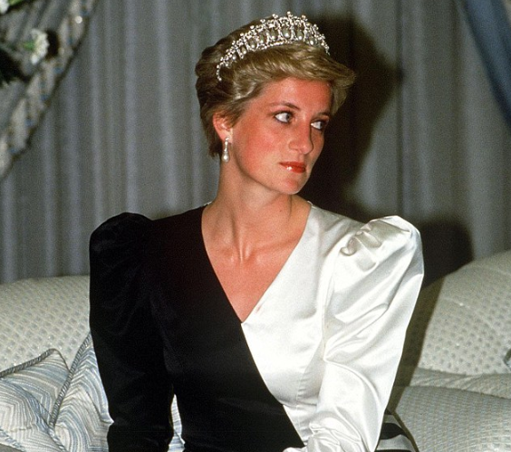 Зачем принцессе Диане была нужна бурка?