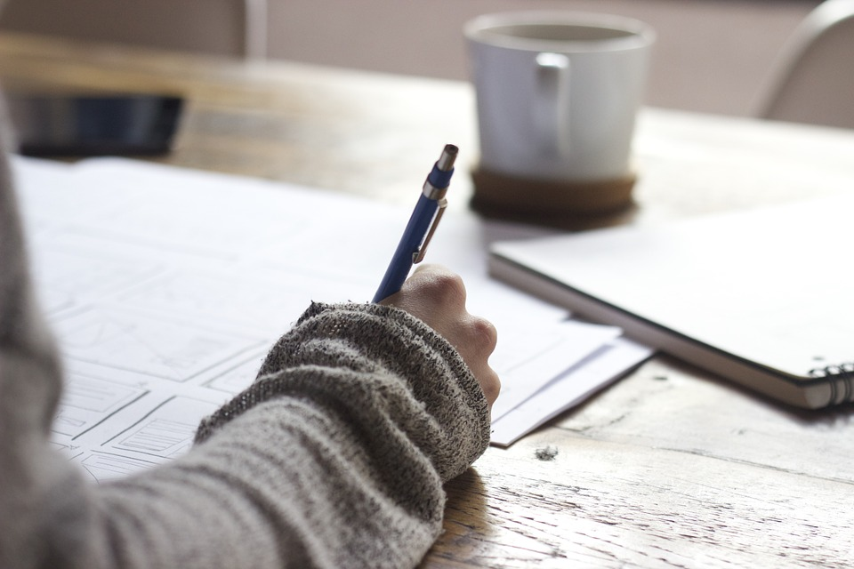What help essay writing services can offer to students