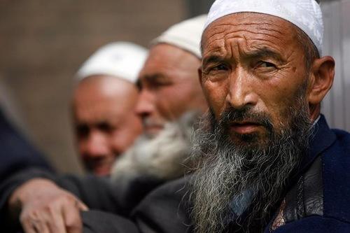 Жители Синьцзян-Уйгурского автономного района