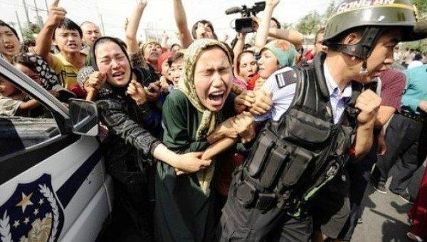Акция протеста уйгуров в Пекине