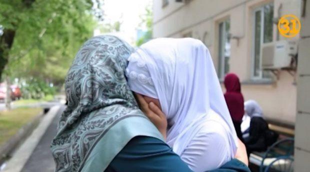 Министр образования Казахстана пригрозил школьницам в хиджабах (ВИДЕО)