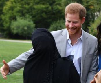 Принц Гарри придумал «халяльный» способ целовать мусульманок (ВИДЕО)