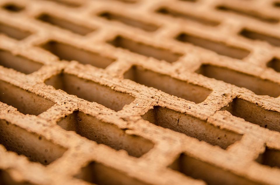 Почему качественный кирпич востребован в строительных работах?