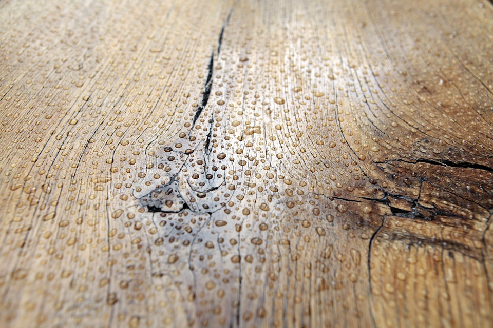 Достоинства и сильные стороны мебельной продукции из слэба дерева