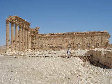 Российские специалисты помогают восстанавливать спасенные от ИГ памятники Пальмиры