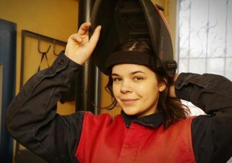 Россиянка Диана Багаутдинова освоила мужскую профессию и прославилась