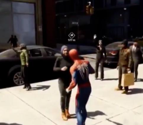 Мусульманка отказалась обнимать человека-паука