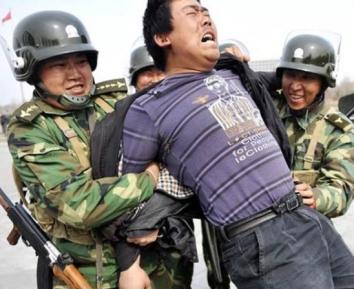 Китайские спецслужбы выслеживают уйгурских мусульман по всему миру