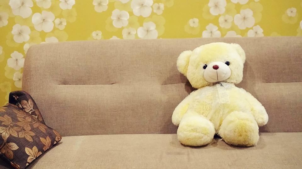Каким образом стоит подбирать диван в детскую комнату?