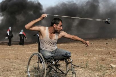 Военкор France Press прославился благодаря бесстрашному палестинцу без ног