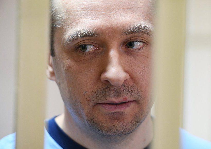 Полковой гигант. Дмитрий Захарченко оказался не только миллиардером, но и многоженцем