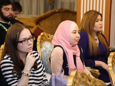 Силовики пришли в дом мусульманской активистки, которая вела патриотические проекты на Кавказе