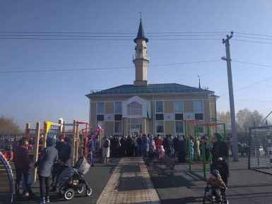 В Татарстане открыли мечеть со спорткомплексом