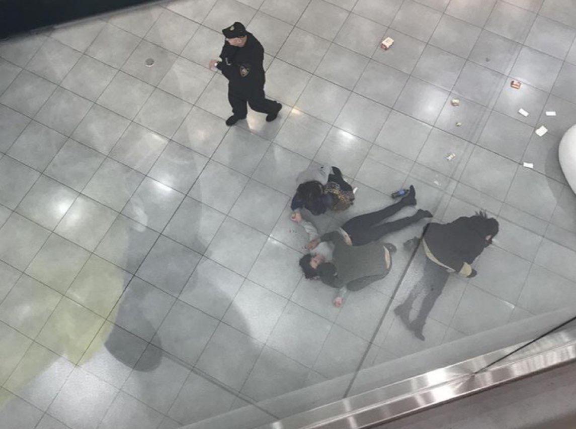 В Москве пострадала девушка Чулпан, на которую с четвертого этажа прыгнула самоубийца (ВИДЕО)