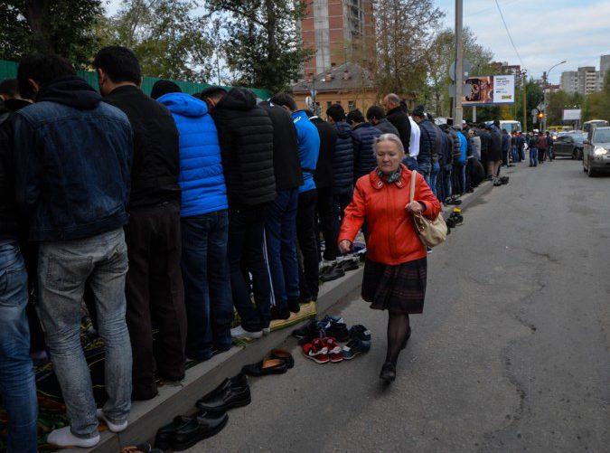 Власти Екатеринбурга разводят мусульман на снос мечети, не согласовывая альтернативное место