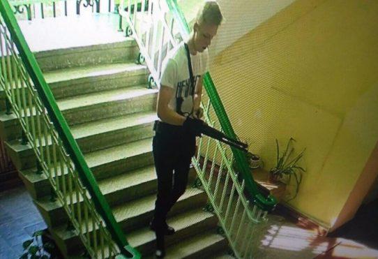 Следователи не поверили в студента-одиночку, убившего два десятка человек в Керчи