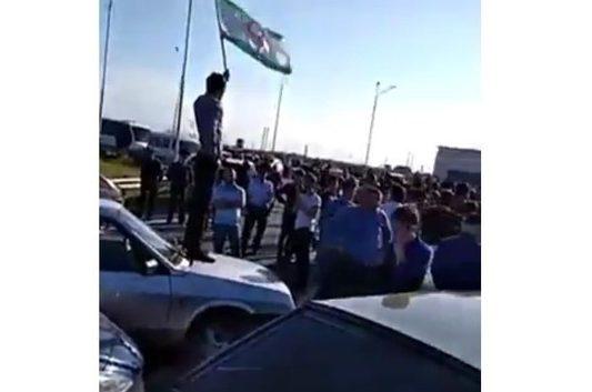 """Федеральную трассу """"Кавказ"""" очистили от протестующих с помощью религиозных деятелей (ВИДЕО)"""