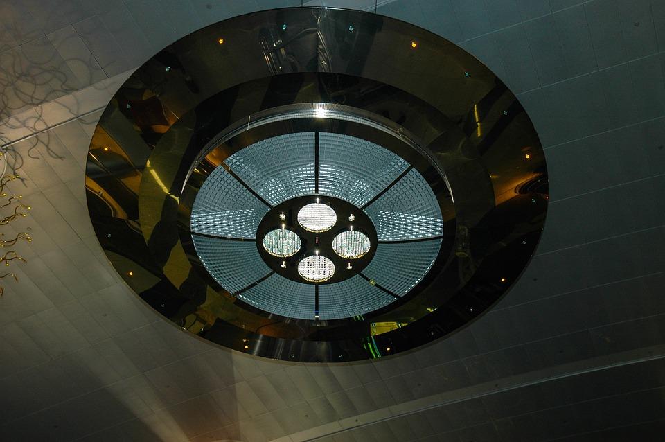 Дешевые потолочные светильники: правила выбора