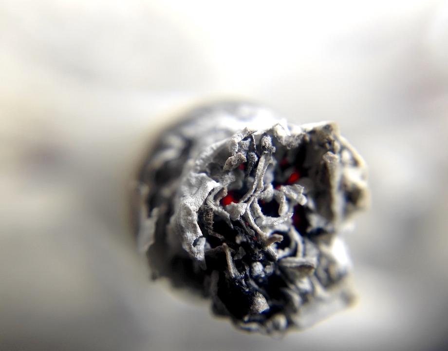 Как бросить курить спайс? Особенности и признаки употребления наркотика