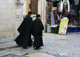 Священники на улицах Стамбула