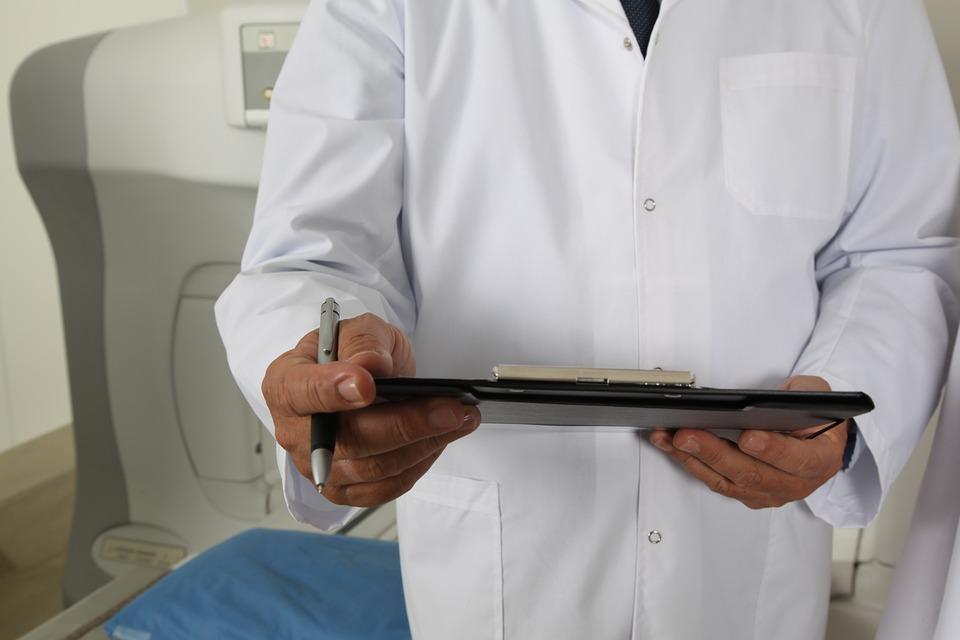 Когда нужна запись к маммологу? Показания для приема, проблемы женской груди и симптомы