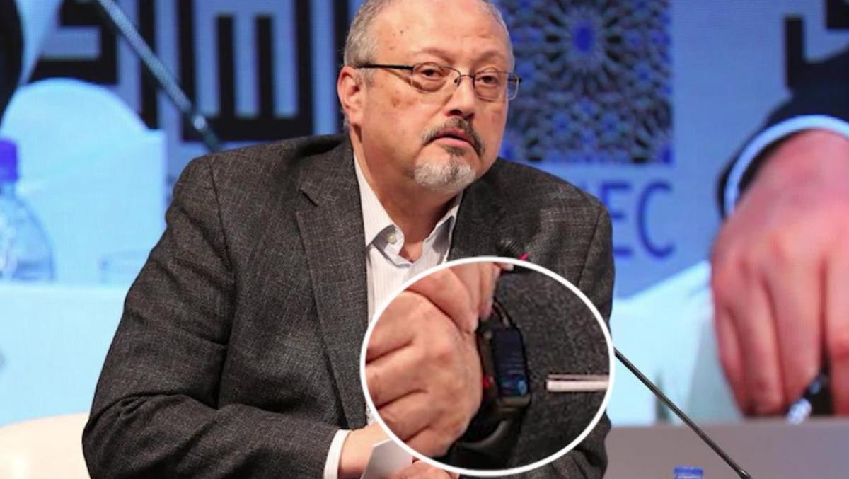 Часы Apple Watch на руке Хашогги