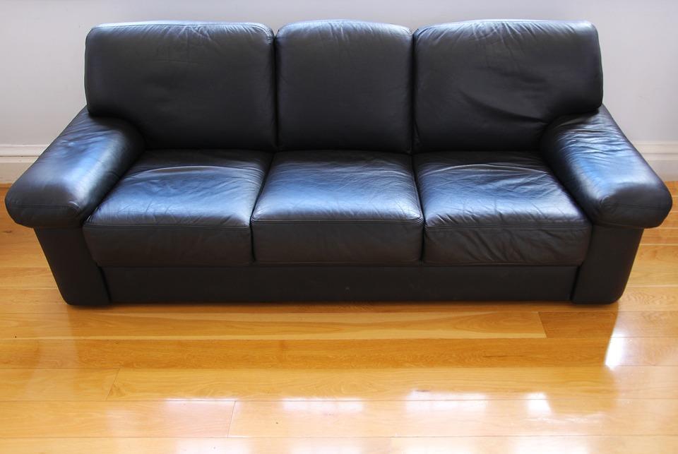 Ремонт и реставрация мягкой мебели от компании «Пять диванов»