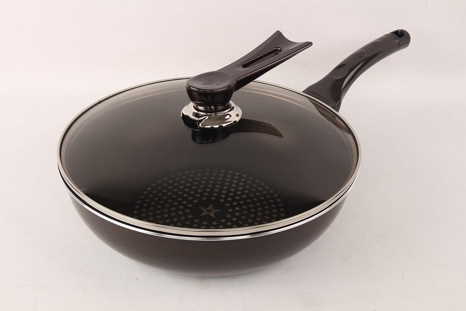 Как выбрать компанию для оптовой покупки посуды для приготовления пищи?