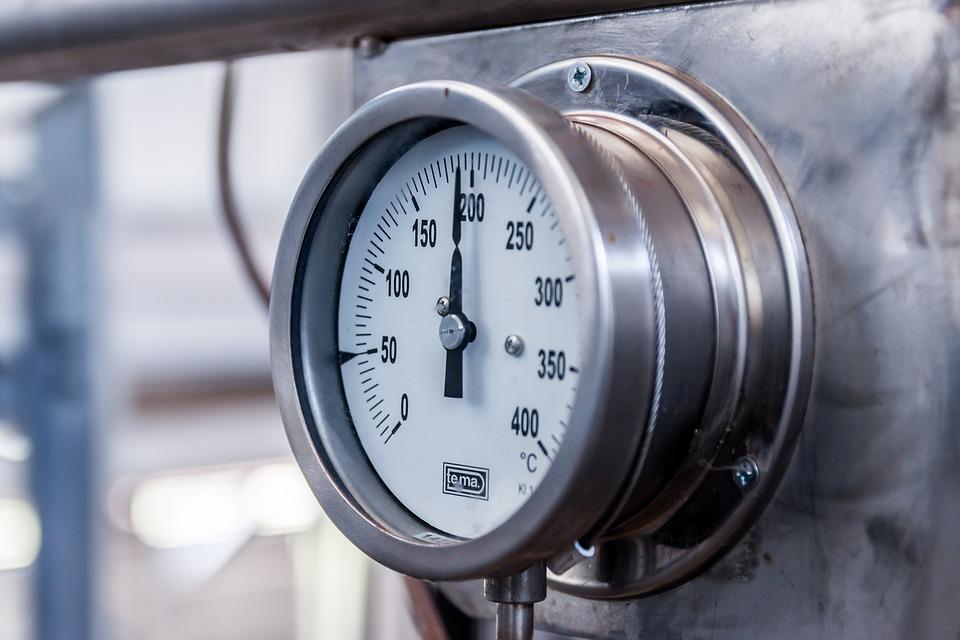 Плюсы и особенности использования промышленных водогрейных котлов
