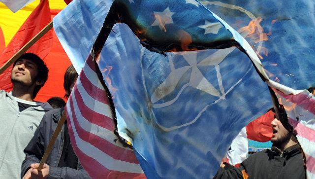 Демонстрация против НАТО в Стамбуле. Фото: РИА Новости