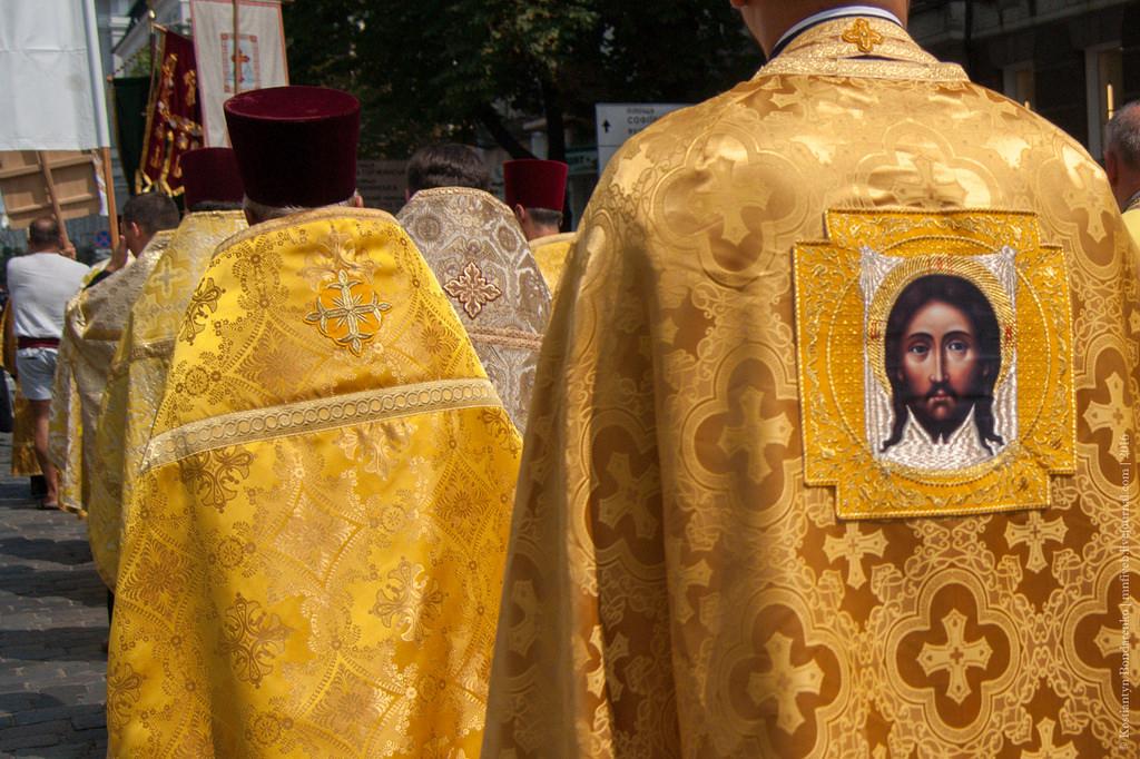 Православная церковь разделилась по политическим мотивам