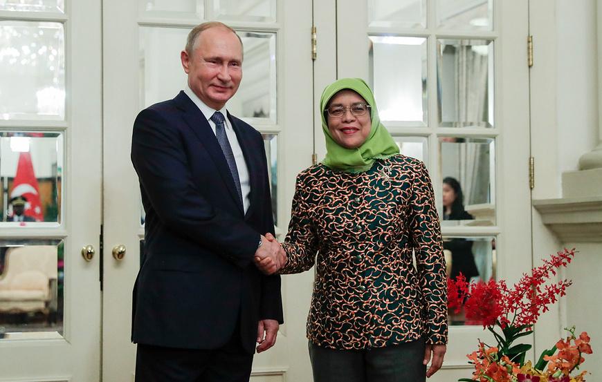 Путин отобедал с Халимой Якоб