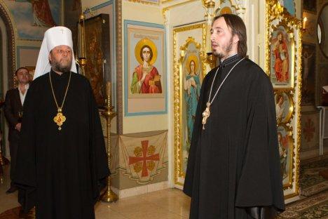 Священник Геннадий Цуркану (справа)