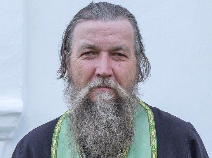 Рядовой священник осудил руководителей РПЦ за тягу к роскоши